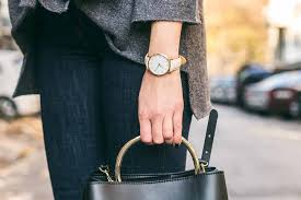 How-to-Wear-a-Watch-for-Ladies