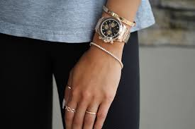 how-should-a-watch-fit-a-woman